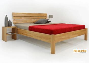 Kleopatra celomasivní postel