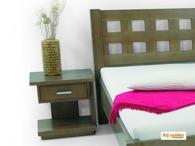Klára noční stolek